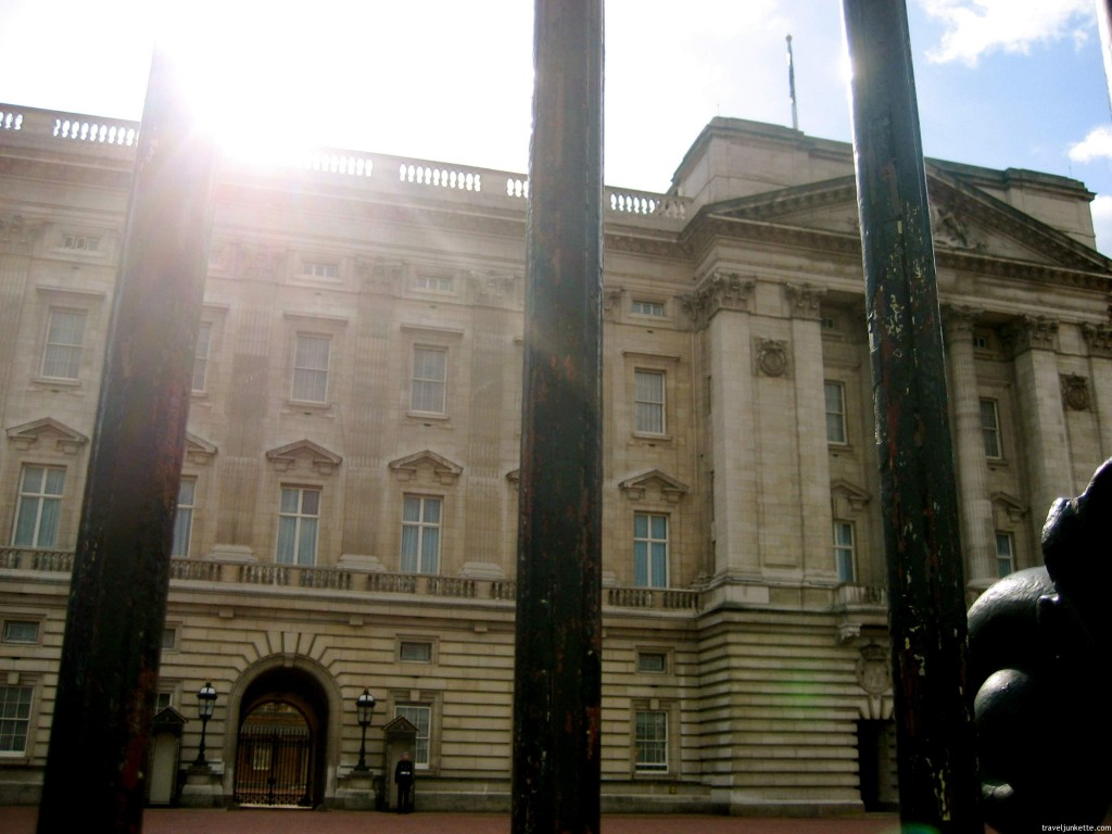 Sunburst at Buckingham Palace