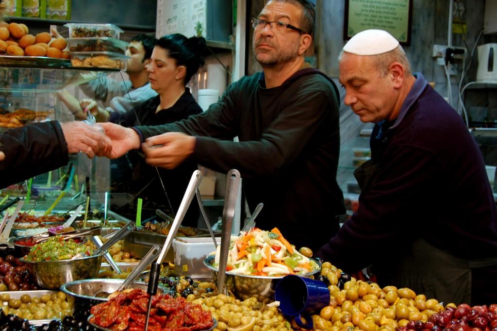 Israeli market vendors