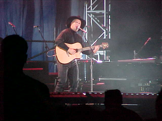 Garth Brooks in concert