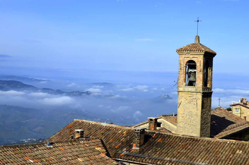 Travel San Marino: view with tower