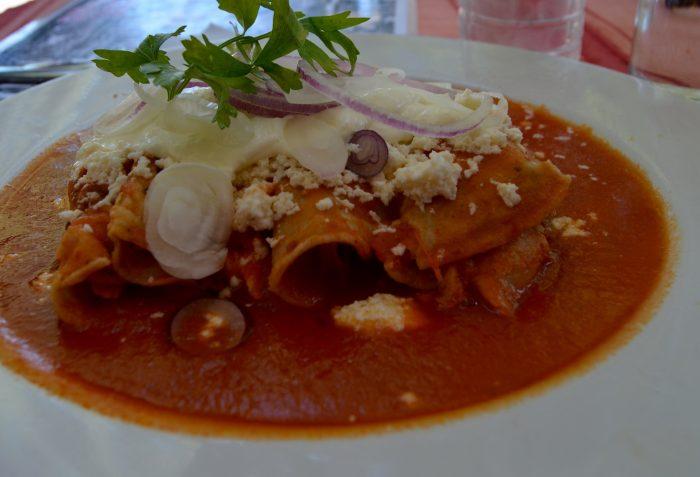 enchilada salsa roja oaxaca mexico